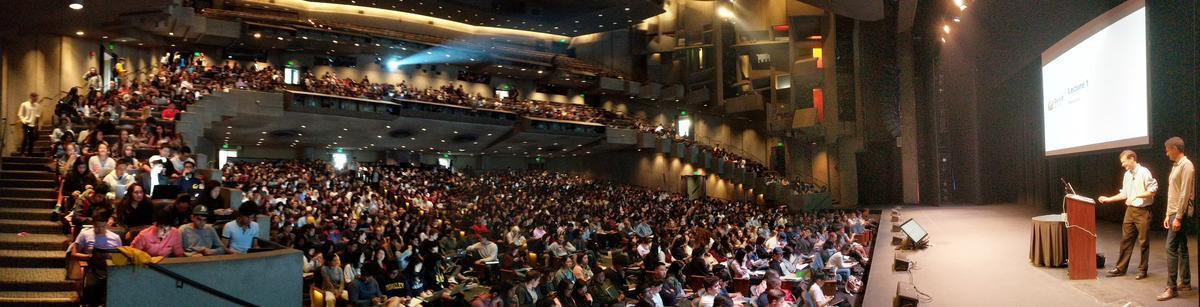 Photo of the more than 1,000 students attending Data 8 in Zellerbach Hall from Fall 2018.